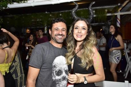 Sandro Alencar e Karoline Bastos