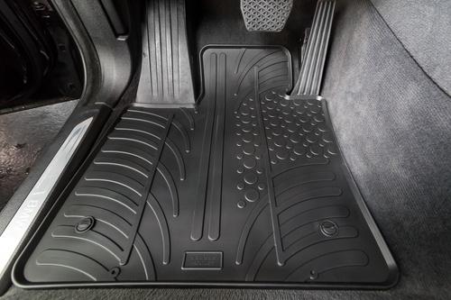 tapis caoutchouc voiture sur mesure