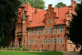 Die Vorderseite des Bergedorfer Schlosses. Mehr Bilder und Geschichtsunterricht gibt es hier: http://goo.gl/YbrKUV