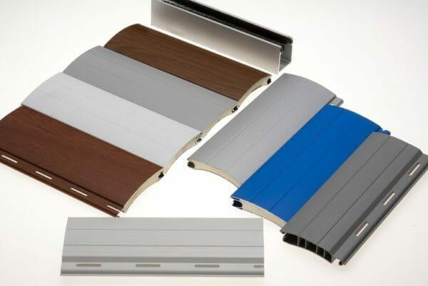 Gli avvolgibili in alluminio coibentato con poliuretano si contraddistinguono per leggerezza e resistenza. Tapparelle Pvc O Alluminio Le Opinioni Degli Esperti In Avvolgibili Mavis Srl