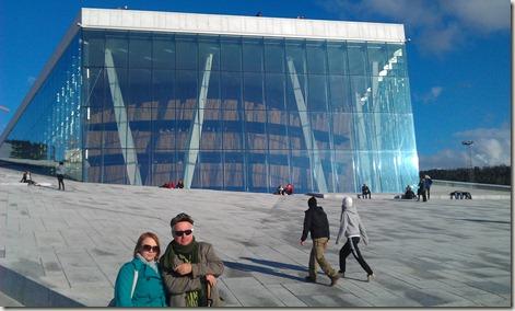 Tiina och jag framför Operan