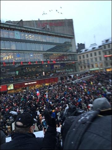 Manifestationen på  Sergels torg