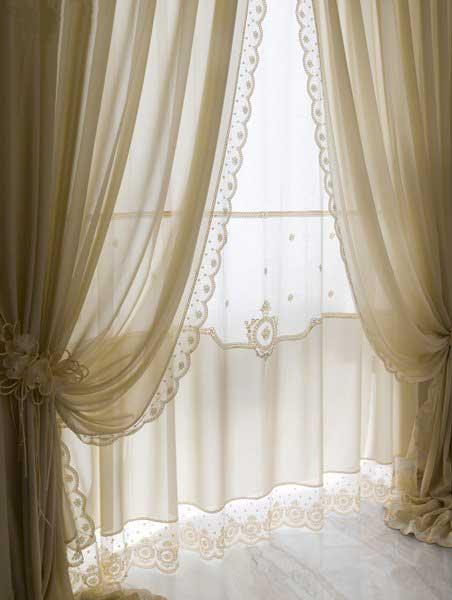 I tendaggi possono essere riposti facilmente in lavatrici e lavati secondo le istruzioni della relativa etichetta. Tende Da Interni Tappezzeria Artigianale Cori Fiuggi Lazio Divani Tende Pergotende