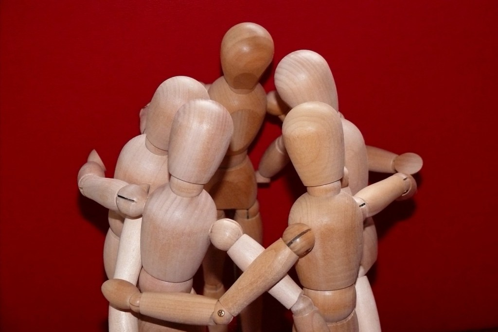 L'energia di gruppo amplifica l'energia individuale e aiuta a sentirsi sostenuti