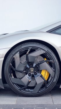 Lamborghini Wheels Car Wallpapers for iPhone 7 in HD