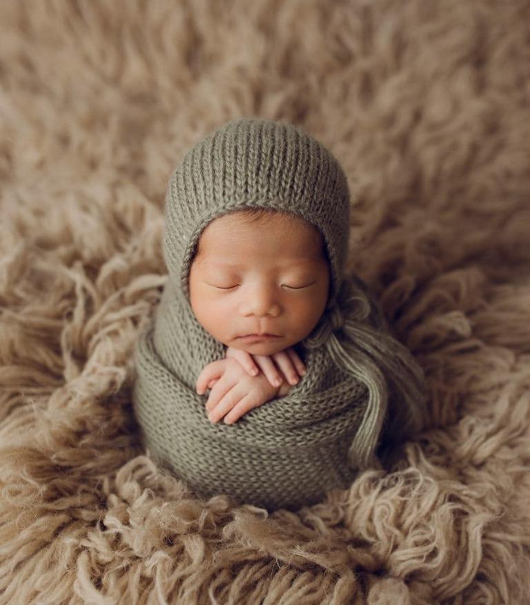 newborn potato sack pose oshawa