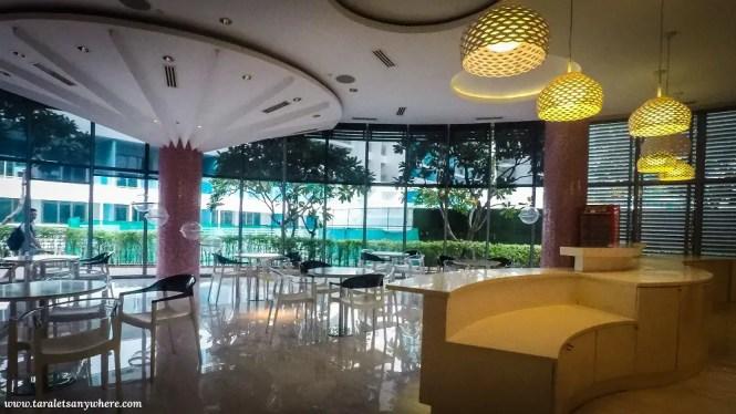 Cafeteria in Azure Urban Resort Residences