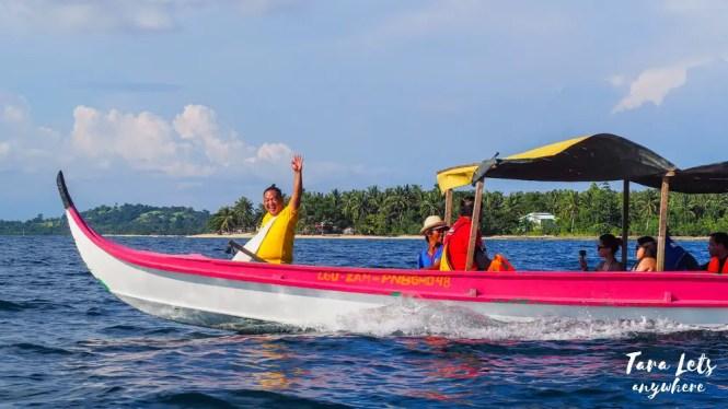 People island hopping in Once Islas, Zamboanga