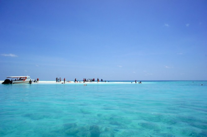 Things to do in Maldives - visit a sand bank