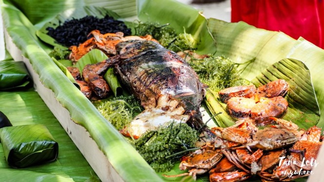 Seafood boodle fight in Sirommon Island, Once Islas