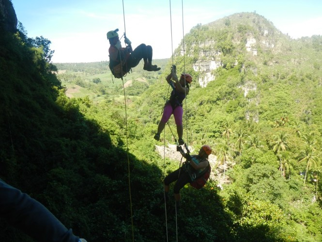 Adventures in the Philippines - vertical bivouac adventure in Bukidnon