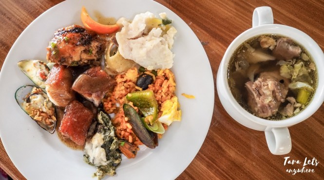 Food in buffet restaurant D' Banquet, Tagaytay