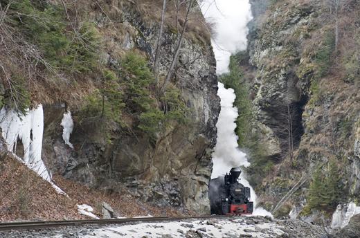tren cu abur mocanita iarna