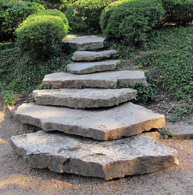 stone-steps-409522_640-pixabay-com
