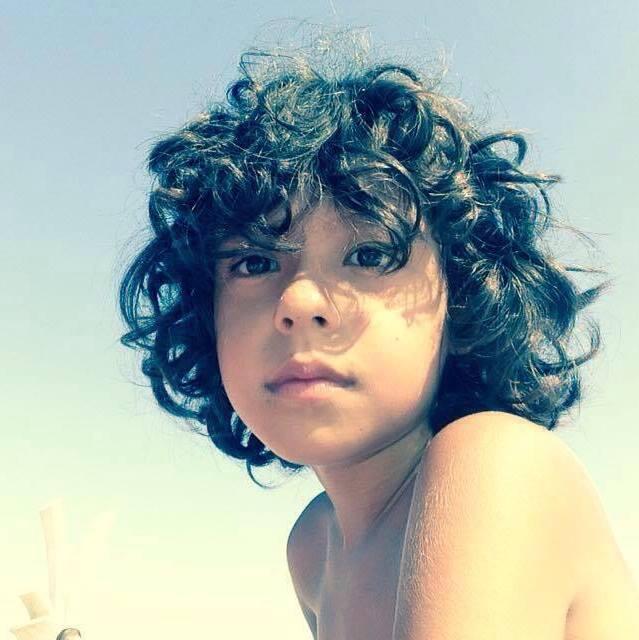 Povară Sau Binecuvântare Să Ai Părul Creţ Băiat Fiind