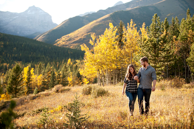 couple in Kananaskis in fall Calgary engagement photography