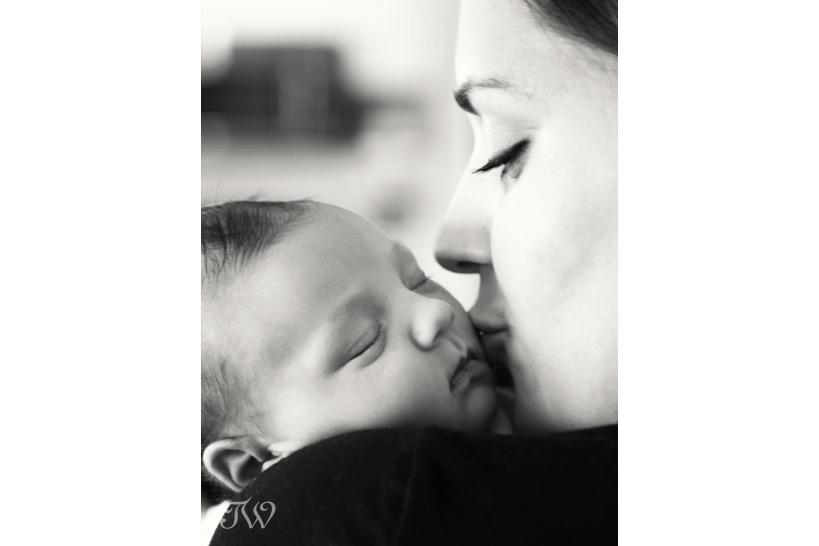 newborn-photography-session-Tara-Whittaker-01