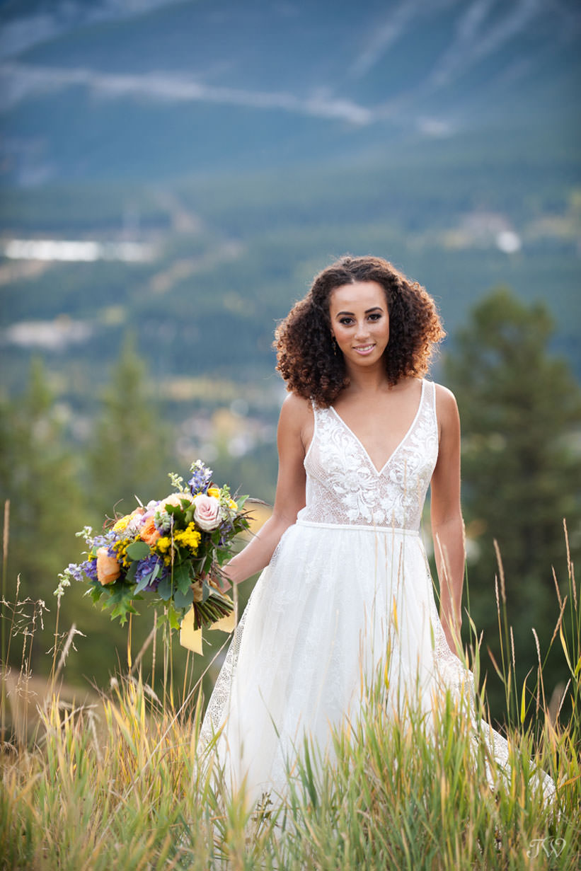 Silvertip wedding in fall - Tara Whittaker Photography