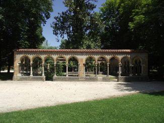 Tarbes, une partie du cloître du Jardin Massey s'est effondrée
