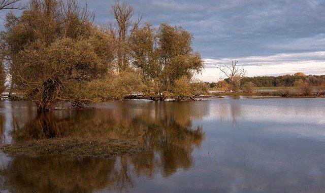 Région - les impressionnantes images des crues de la Garonne à Marmande