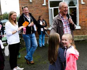 Roger Powell entertaining visitors to the Tardebigge Fair and Show 2016