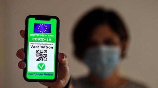 Green Pass, arrivano i chiarimenti del Viminale: gli esercenti potranno controllare l'identità solo in caso di incongruenze