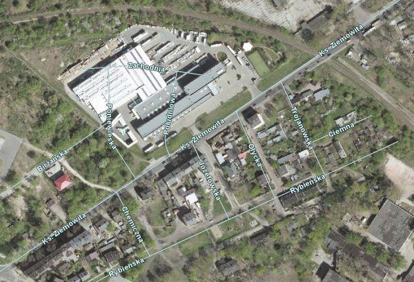 Przedwojenna siatka ulic na współczensym zdjęciu satelitarnym. widać ulice Poniewieską i Zachodnią