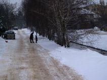 Ul. Rzewińska w czasach, gdy nie było latarni, ale za to był śnieg /fot. targowek.info