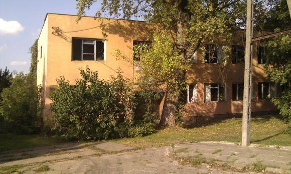 Nie było w nim ani jednej całej szyby / fot. targowek.info