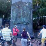 Zwiedzają dzielnicę na rowerach: tym razem Zacisze