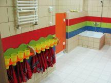W łazienkach czekają już kubki i ręczniki