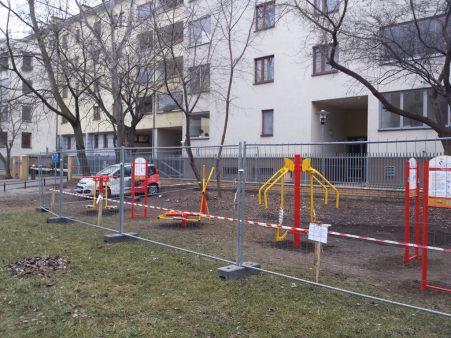 23 listopada 2014 - siłownia na Łodygowej nieoczekiwanie wróciła / fot. targowek.info