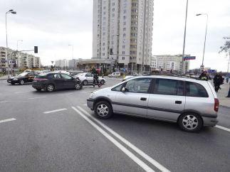 Wypadek na skrzyżowaniu Kondratowicza i św. Wincentego, marzec 2014 r. / fot. Straż Pożarna