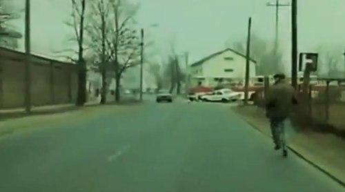 """Wypadek na skrzyżowaniu Wincentego i Gilarskiej w filmie """"Bez końca"""""""