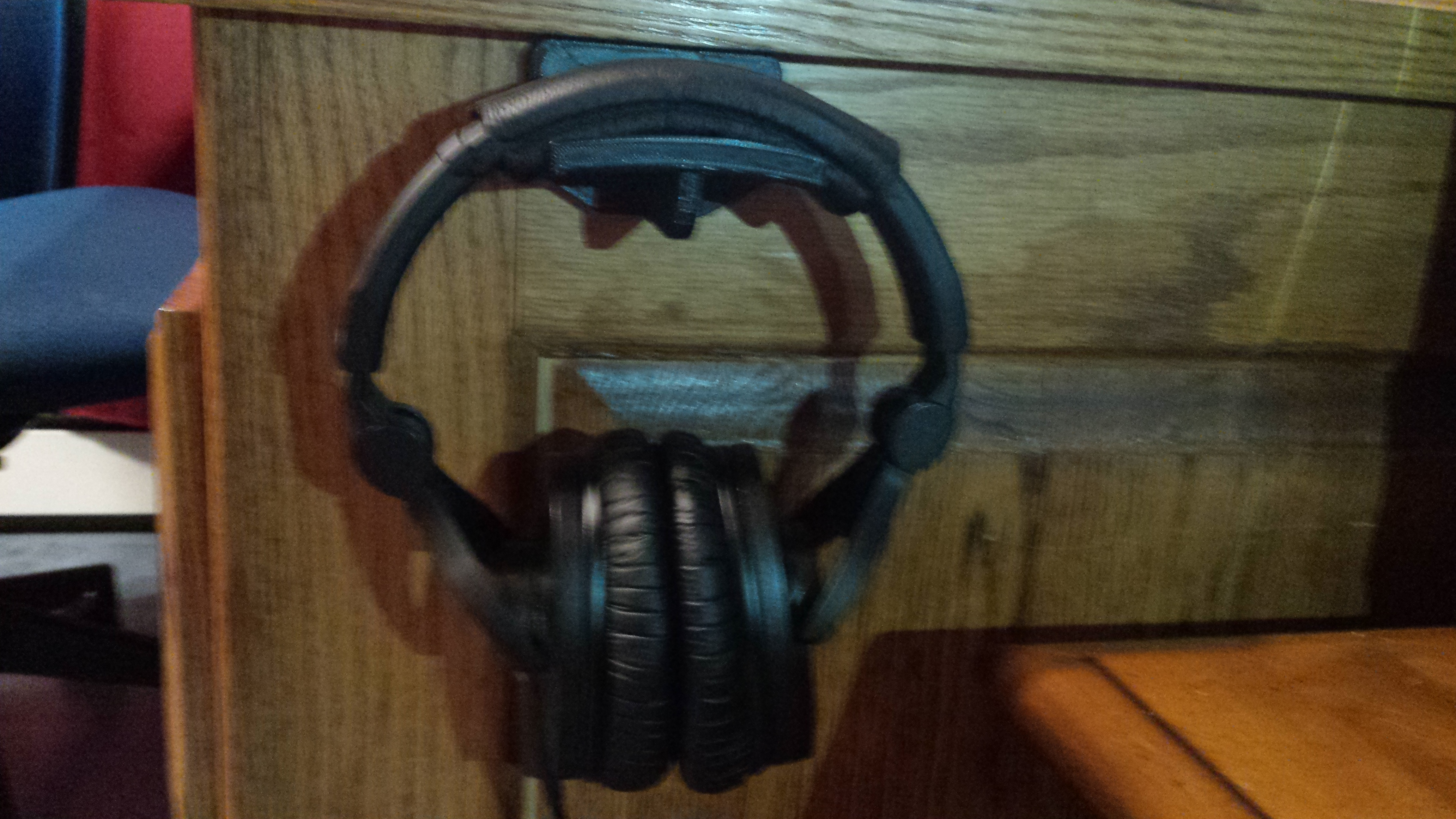 Headphone Stand: In Use