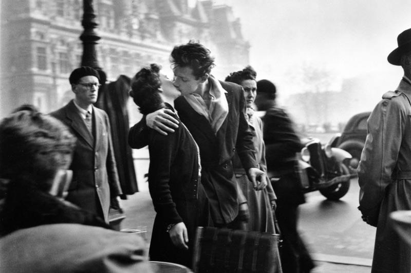 La distanza tra l'amicizia e l'amore….e' quella di un bacio (S.P.)