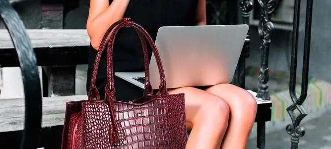 Frau mit Businesstasche