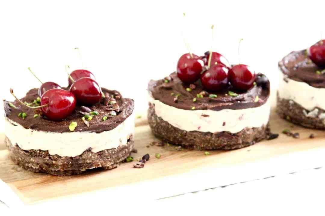 Cherry Lemon Cheesecake raw vegan dessert
