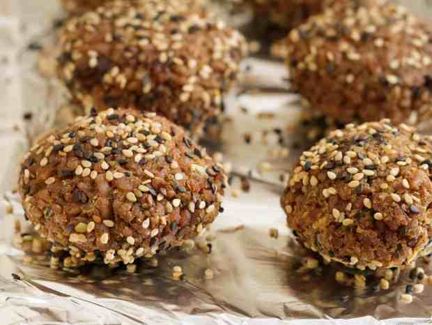 Simple Baked Red Rice Falafels