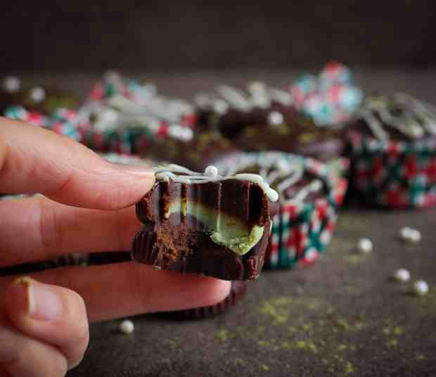 Peppermint Matcha Chocolate Cups dark chocolate, easy 5 ingredient recipe, no bake recipe, dessert, snack, candy, holiday recipe