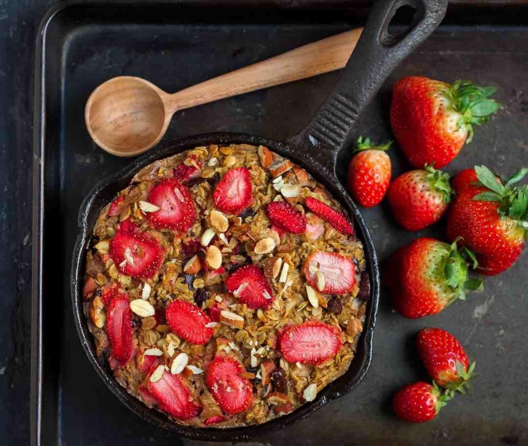 Strawberry 'n Cream Baked Oatmeal vegetarian, oatmeal, baking, breakfast, eggless,fruits, easy recipe