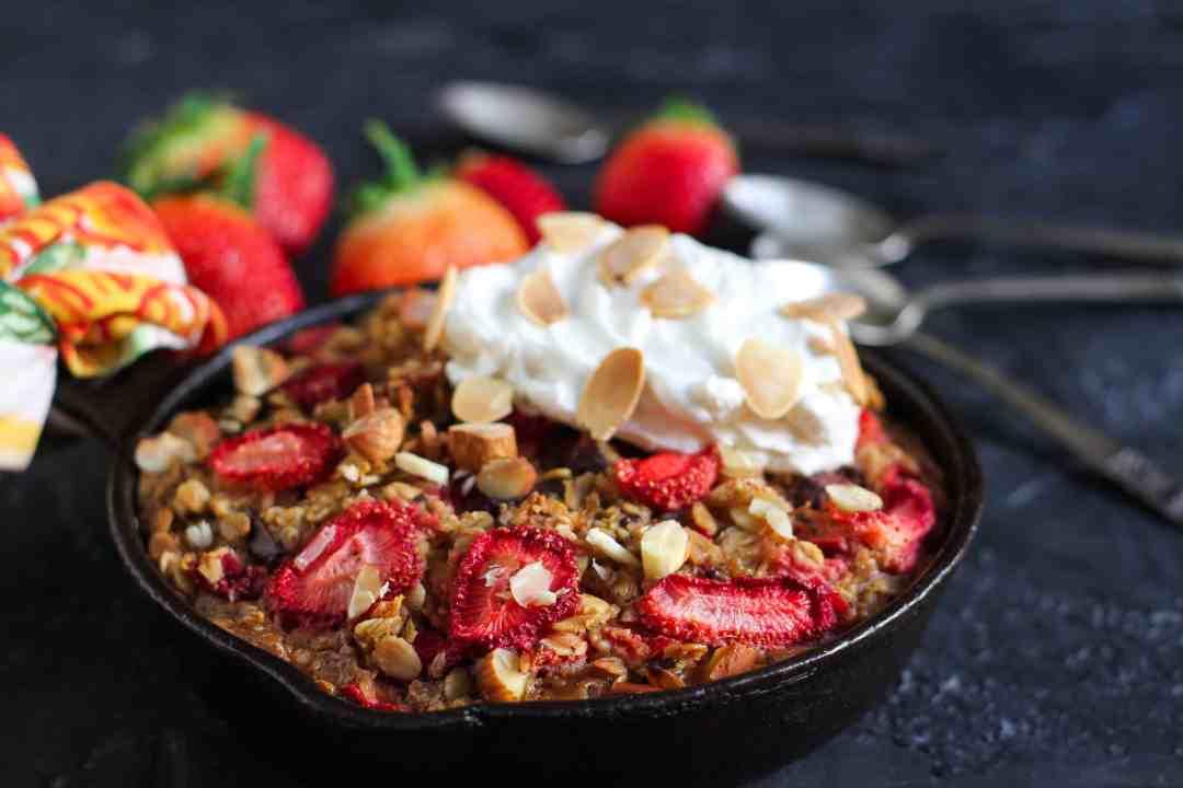 Strawberry 'n Cream Baked Oatmeal vegetarian, oatmeal, baking, breakfast, eggless,fruits
