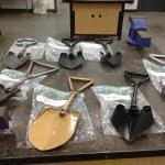 Metalwork folding shovel