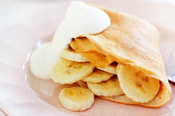 Banana pancakes with coconut cream