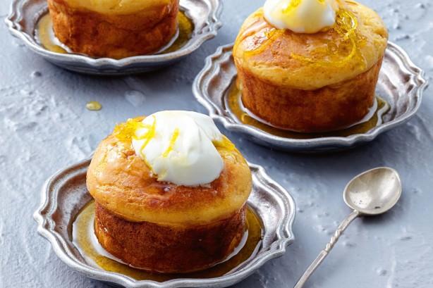 Lemon and yoghurt syrup cakes