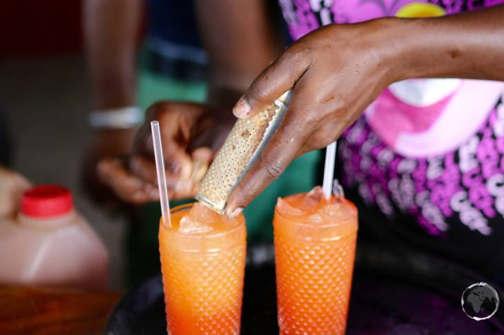 Saint Vincent & the Grenadines Travel Guide: Rum punch on Happy island