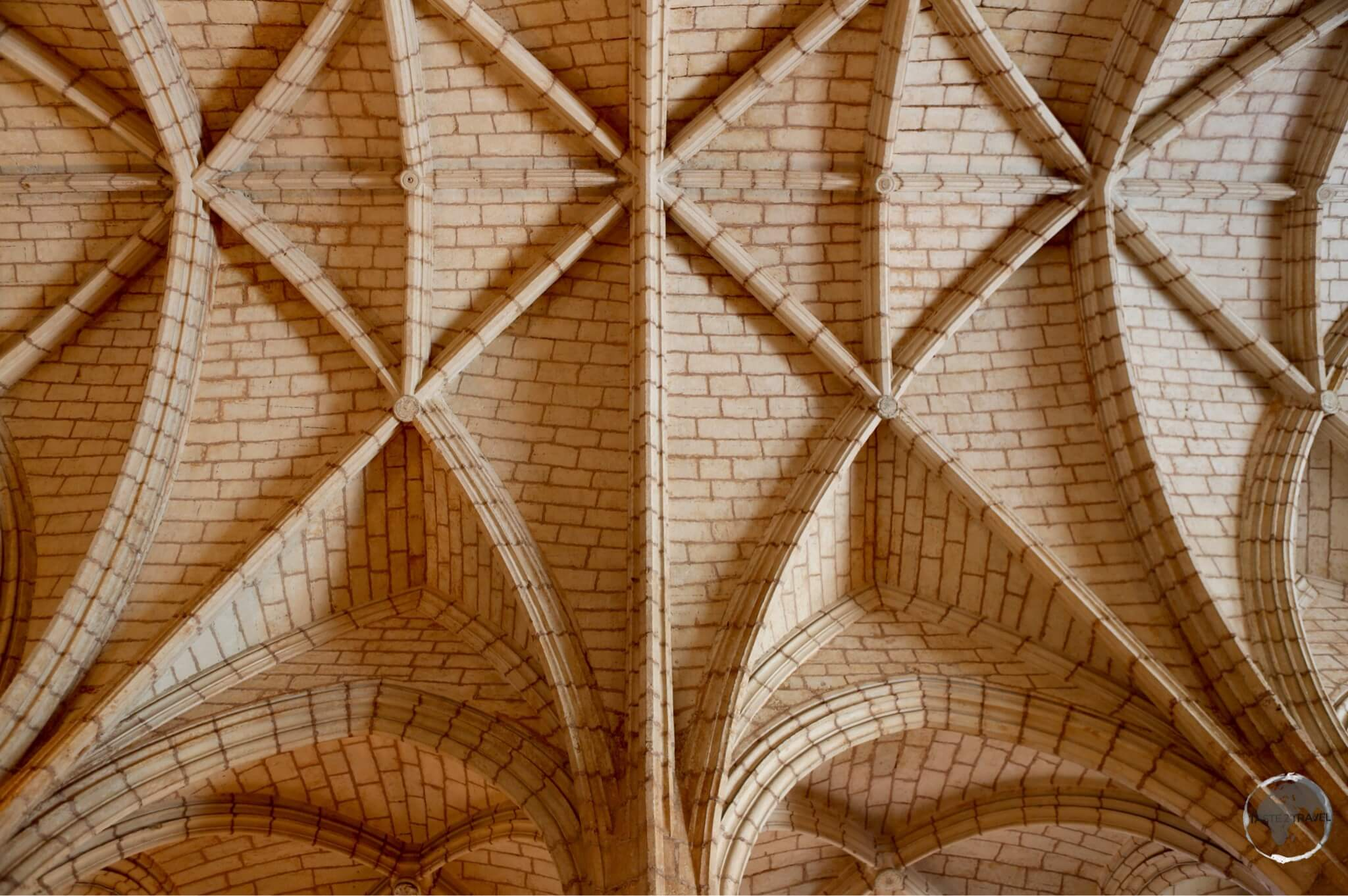 The vaulted ceiling of the Catedral Primada de América.