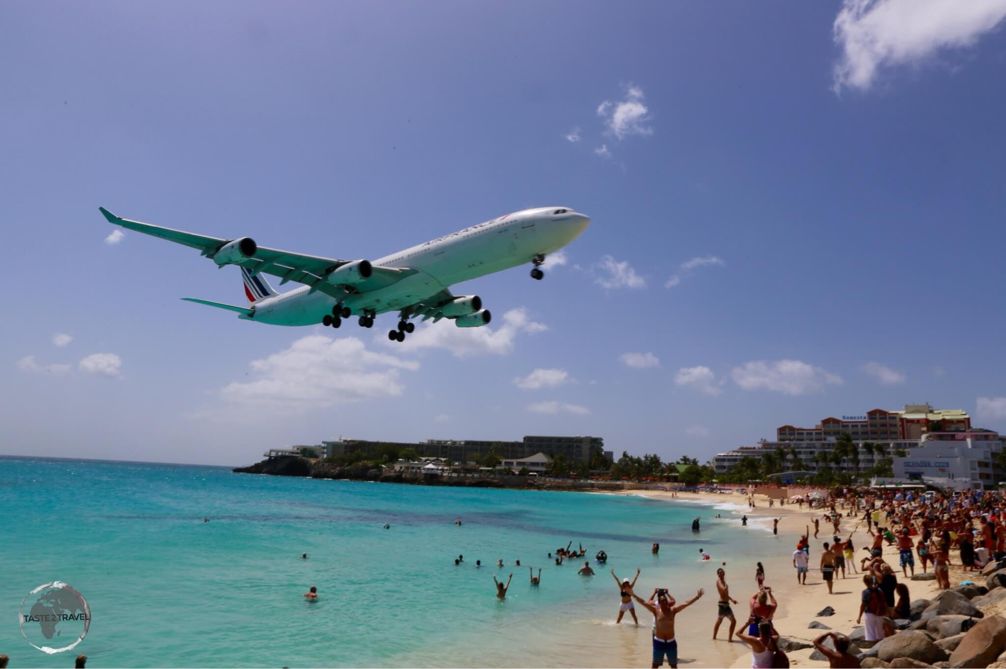 Air France flight arriving on St. Martin. All flights approach low over the popular Maho Beach.