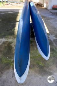 The really long Kosrae canoe.