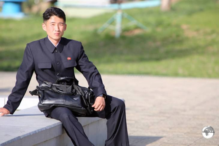 North Koreans are always smartly dressed, even at the zoo.